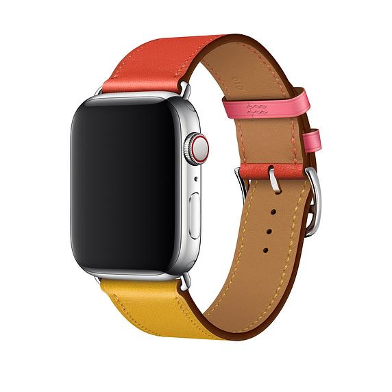Apple ha lanciato lunedì due nuove band Hermes per Apple Watch, cercando di attirare il lato fashion della fanbase dei wearable.