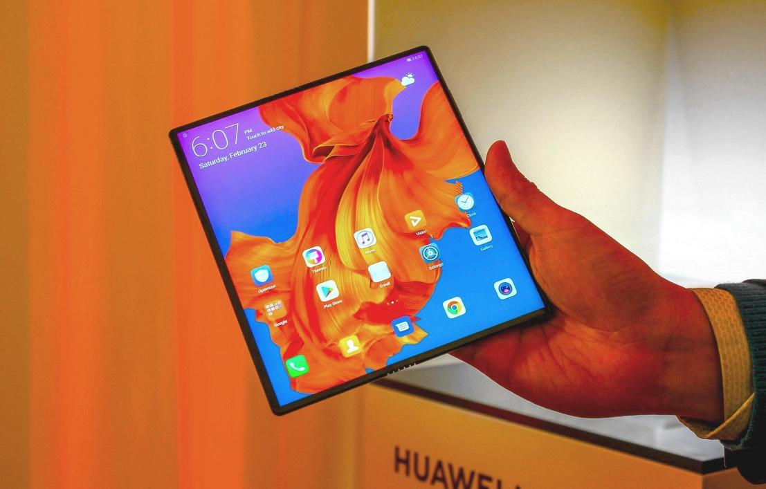 CEO di Huawei: metà dei nostri telefoni potrebbe essere pieghevole entro il 2021