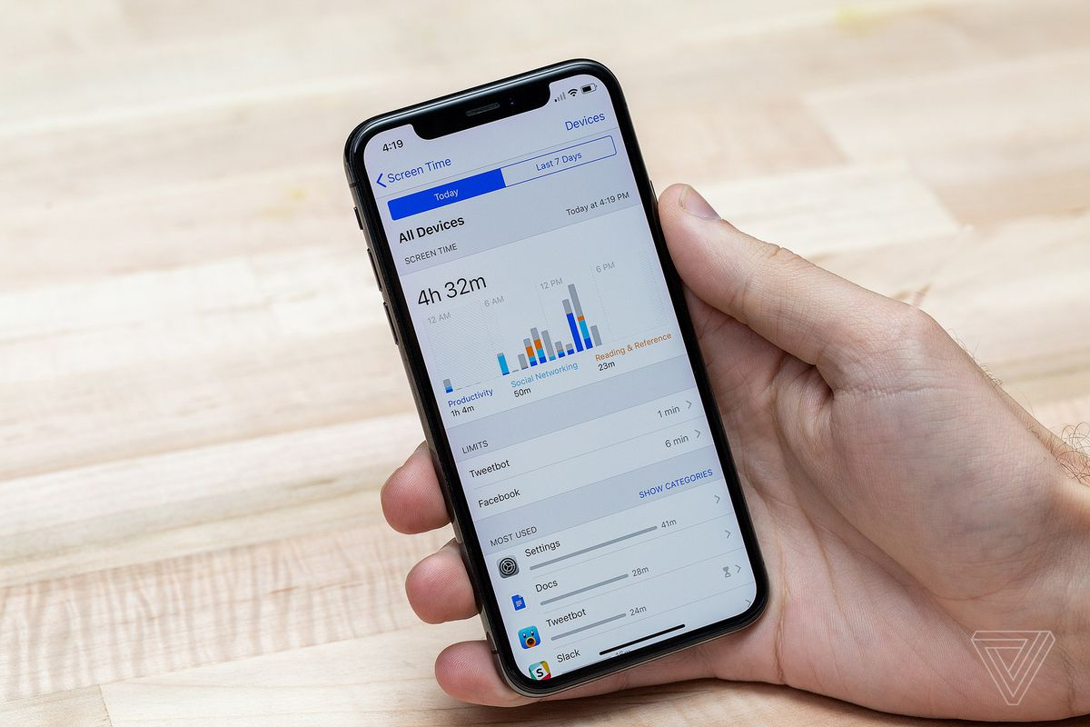 Apple rimuove le app di controllo parentale