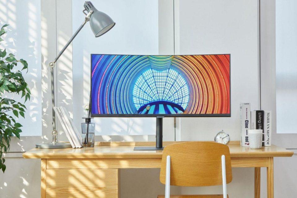 Samsung lancia una nuova linea di monitor ad alta risoluzione